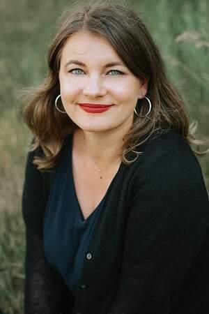 Therapist Delia Berinde